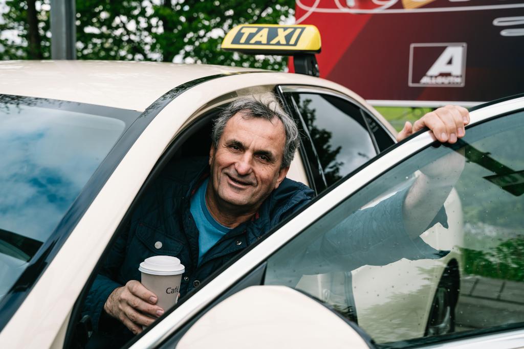 Happy Taxi
